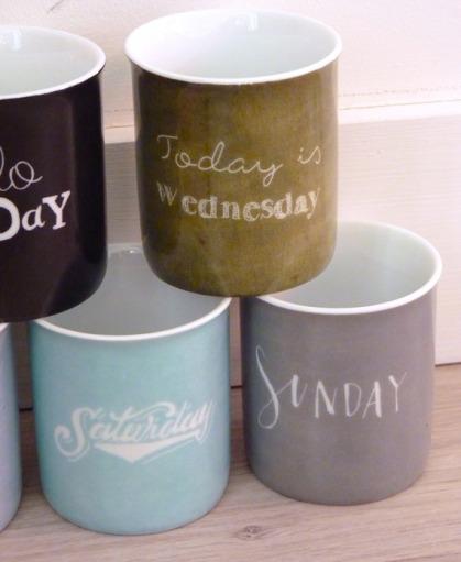 vaisselle-semainier-tasses-a-cafe-7-tasse-16728359-p1120849-jpg-e66f5a-71d6b_570x0